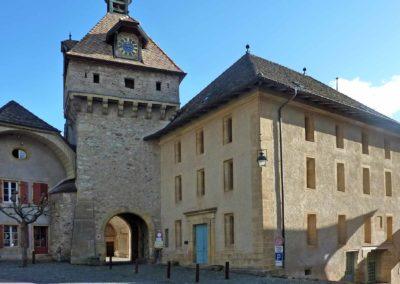 Tour de l'horloge et Grange de la Dîme